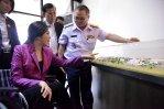 NSM - Yingluck Shinawatra in a debriefing
